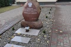 Pomnik-4